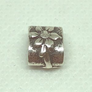 Pandora silver poinsettia flower charm